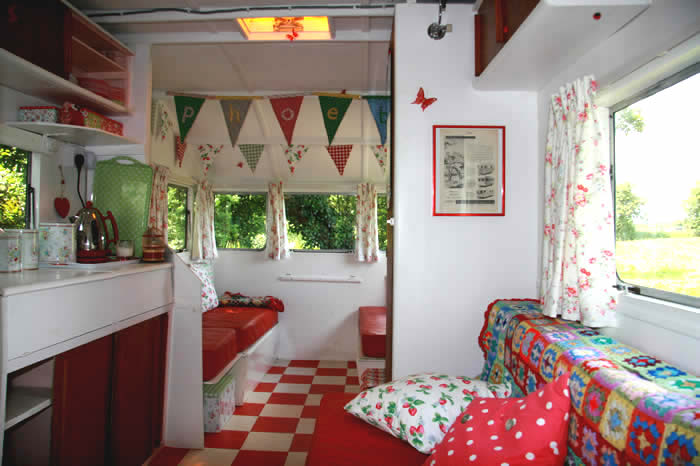 Constance the vintage camper camp in style - Interior caravana ...